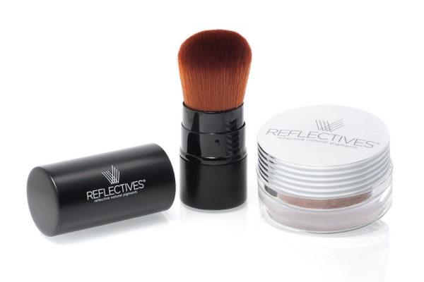 Kosmetik Berlin: REFLECTIVES Taschen-Kabuki-Pinsel